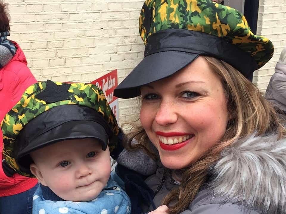 Carnavallen met bonus/voogd-tante Nicol :).