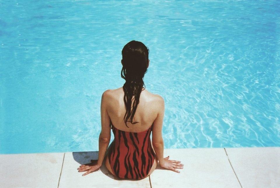 badpak figuur zwanger en zwemmen