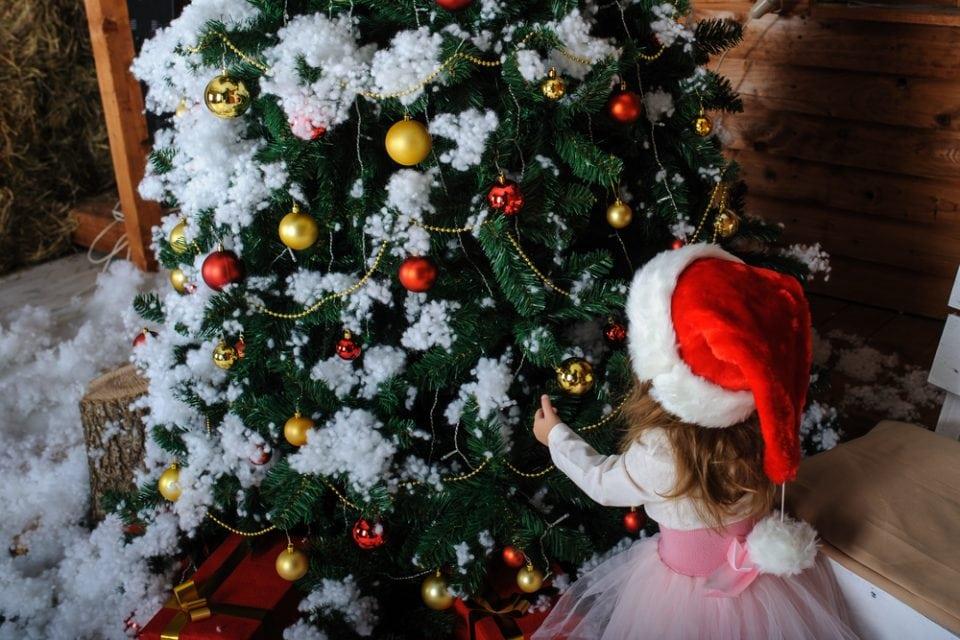 kerstdiner met een dreumes Ambitious Advent 4 cadeaus regel 4 gift rule