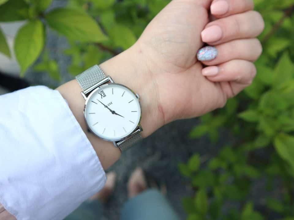 Hoe zorg je goed voor je horloge? Moederdag outfit cadeautips brandfield cluse valentino ralph lauren
