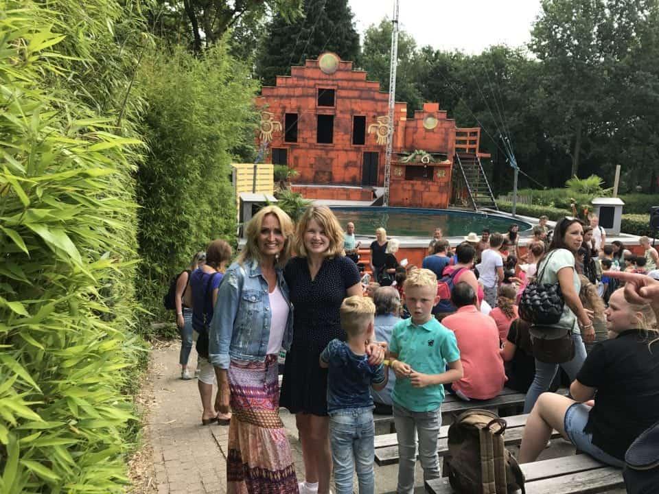 attractiepark hellendoorn Stichting het vergeten Kind Zomertour 2017