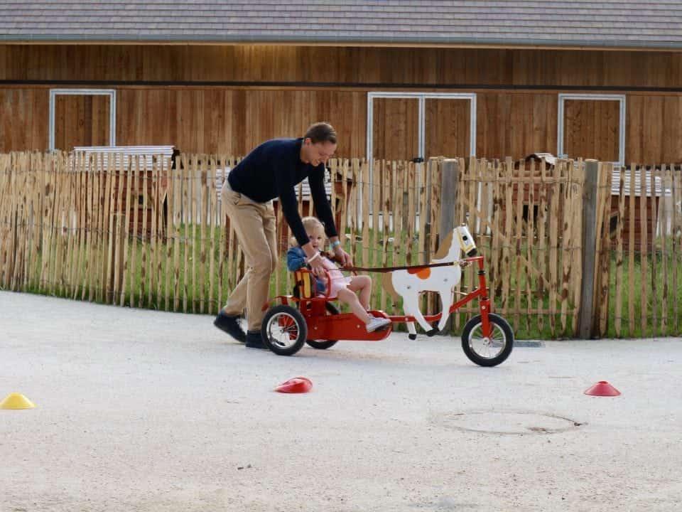 Voor welke type vader zoek jij een vaderdag cadeau? Center Parcs Villages Nature® Paris Disneyland Paris Mamablog weekend weg Vapiano
