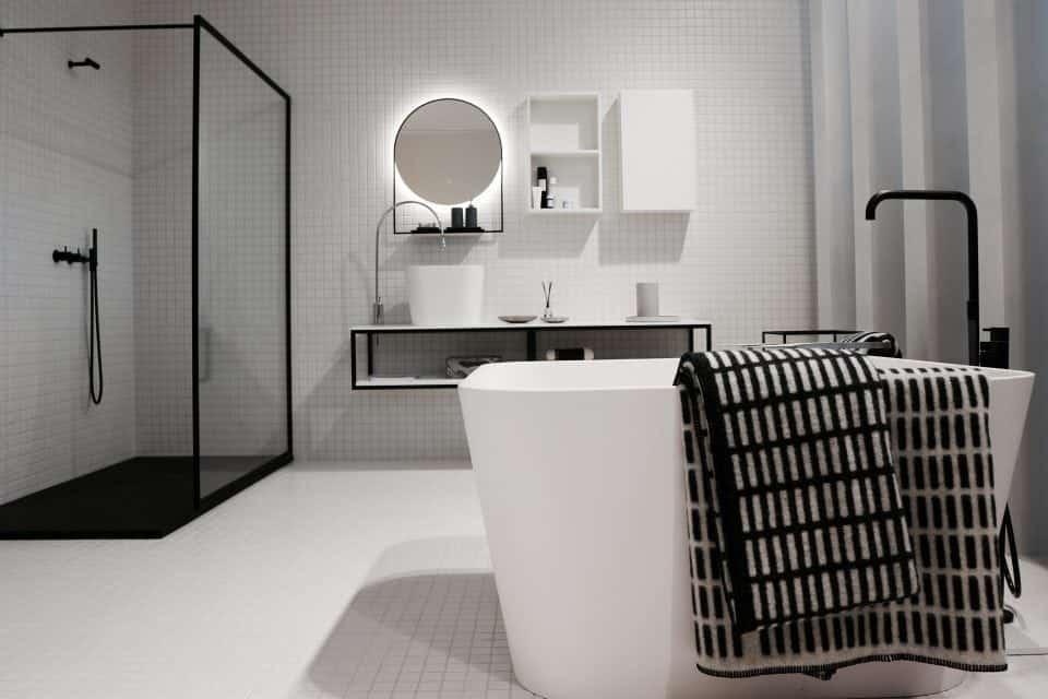 Creeer je eigen home spa in de badkamer Met deze tips creëer je in de badkamer een oase van rust glazen douchewand schoonmaken