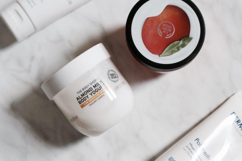 Tropenrooster voor je huid | Mijn huidverzorgingsroutine in de zomer the body shop body yogurt mamablog beautyblog